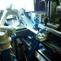 Roboterzelle zum Montieren und Verschweißen von Türscharnieren