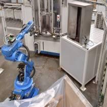 Roboterzelle zum Waschen und Härten von Hohlwellen